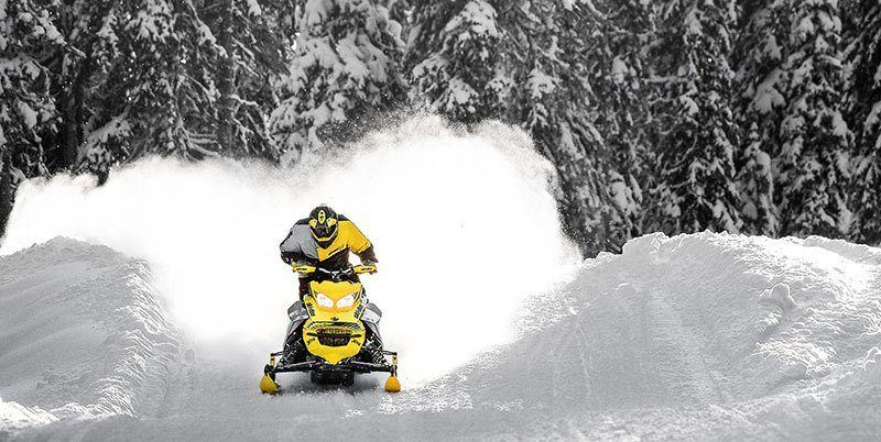 2019 Ski-Doo MXZ X-RS 600R E-TEC Ice Cobra 1.6 in Ponderay, Idaho
