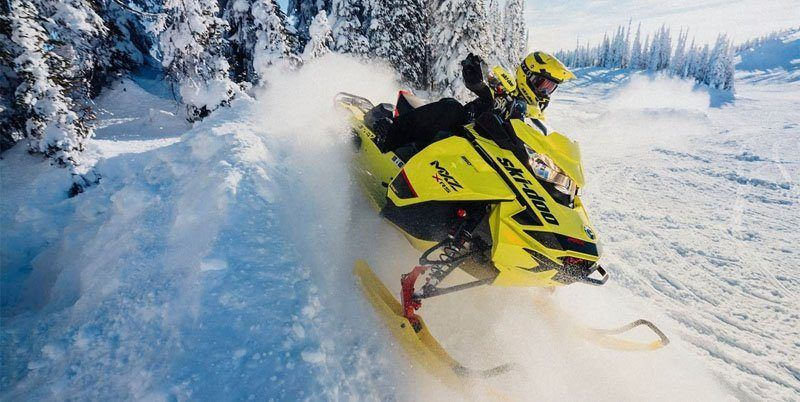 2020 Ski-Doo MXZ X 600R E-TEC ES Adj. Pkg. Ice Ripper XT 1.25 in Wilmington, Illinois - Photo 3