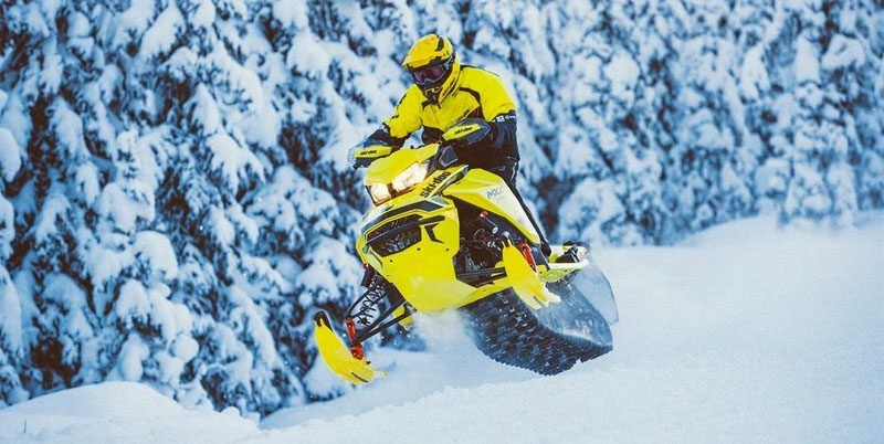 2020 Ski-Doo MXZ X 600R E-TEC ES Adj. Pkg. Ripsaw 1.25 in Speculator, New York - Photo 2
