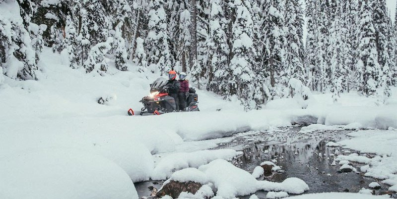 2020 Ski-Doo Expedition SE 154 600R E-TEC ES w/ Silent Ice Cobra WT 1.5 in Unity, Maine - Photo 2