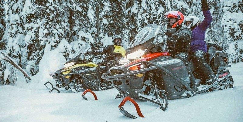 2020 Ski-Doo Expedition SE 154 600R E-TEC ES w/ Silent Ice Cobra WT 1.5 in Unity, Maine - Photo 6
