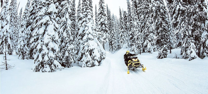 2021 Ski-Doo Renegade X-RS 850 E-TEC ES w/ Adj. Pkg, RipSaw 1.25 in Land O Lakes, Wisconsin - Photo 3