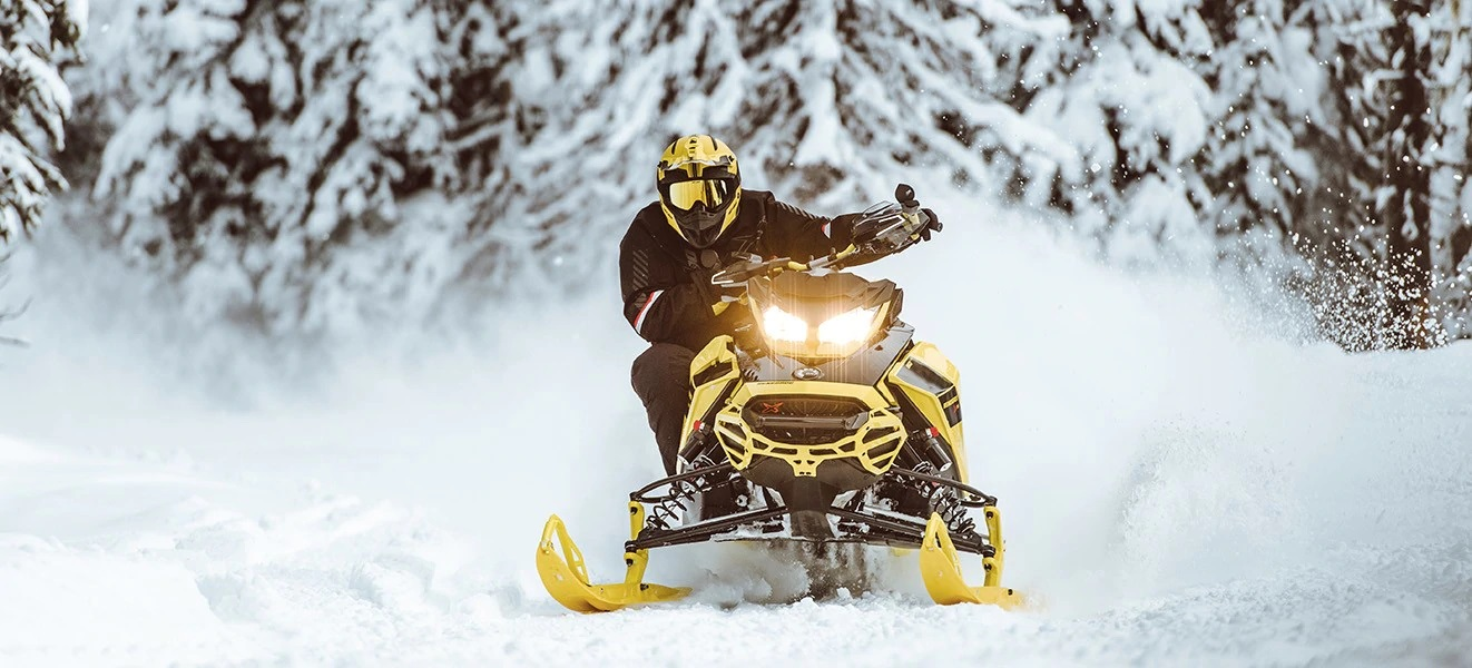 2021 Ski-Doo Renegade X 850 E-TEC ES w/ Adj. Pkg, Ice Ripper XT 1.25 w/ Premium Color Display in Sacramento, California - Photo 5