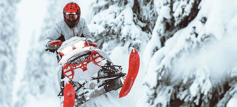 2021 Ski-Doo Backcountry X 850 E-TEC ES PowderMax 2.0 w/ Premium Color Display in Augusta, Maine - Photo 4
