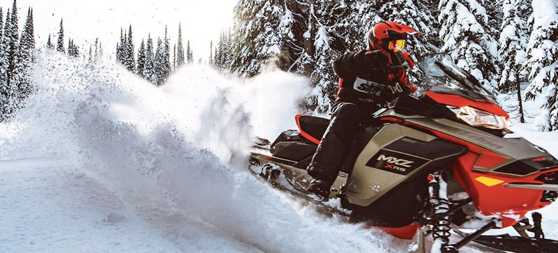 2021 Ski-Doo MXZ X-RS 850 E-TEC ES w/ Adj. Pkg, RipSaw 1.25 w/ Premium Color Display in Oak Creek, Wisconsin - Photo 4