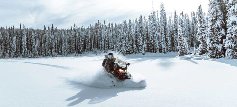 2021 Ski-Doo Expedition SE 600R E-TEC ES Cobra WT 1.8 w/ Premium Color Display in Hillman, Michigan - Photo 2