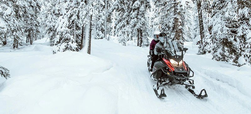 2021 Ski-Doo Expedition SE 600R E-TEC ES Cobra WT 1.8 w/ Premium Color Display in Hillman, Michigan - Photo 4