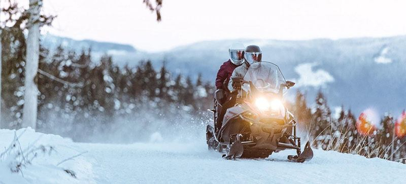 2021 Ski-Doo Expedition SE 600R E-TEC ES Silent Ice Cobra WT 1.5 w/ Premium Color Display in Augusta, Maine - Photo 8