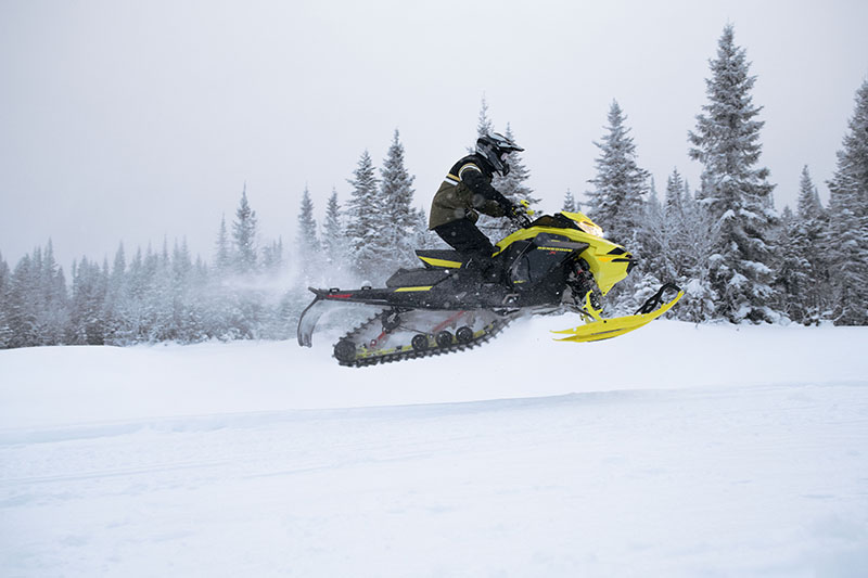 2022 Ski-Doo Renegade X-RS 600 E-TEC w/ Competition pkg. Ripsaw II 1.25 M.S. in Dickinson, North Dakota - Photo 3