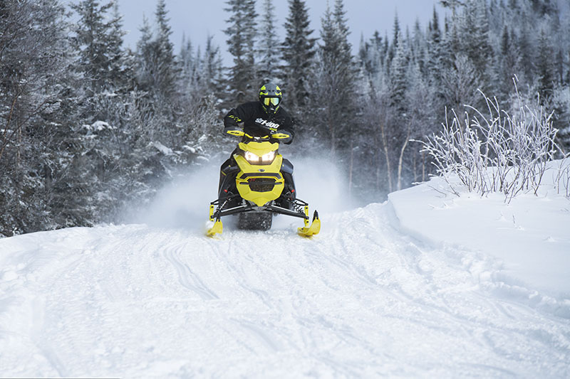 2022 Ski-Doo Renegade X-RS 600 E-TEC w/ Competition pkg. Ripsaw II 1.25 M.S. in Boonville, New York - Photo 5