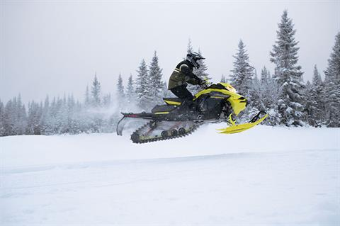 2022 Ski-Doo Renegade X-RS 850 E-TEC ES w/ Smart-Shox RipSaw 1.25 in Clinton Township, Michigan - Photo 3