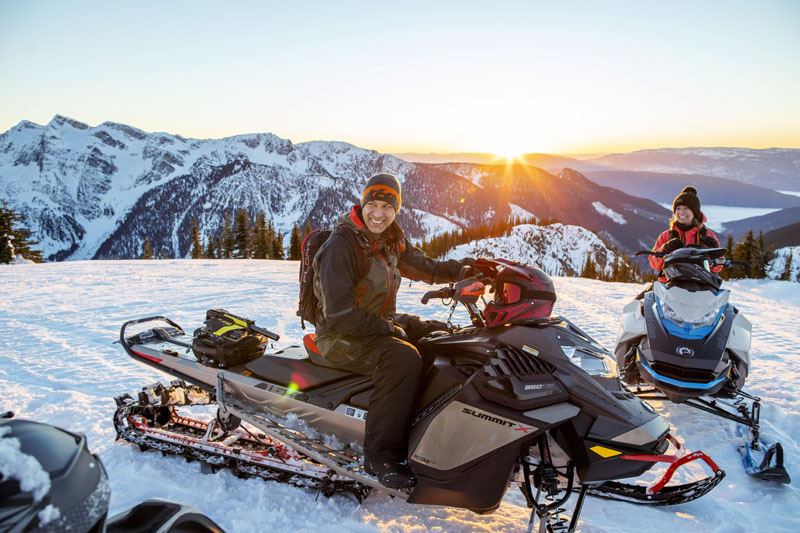 2022 Ski-Doo Summit X 165 850 E-TEC SHOT PowderMax Light 3.0 w/ FlexEdge HA in Woodinville, Washington - Photo 12