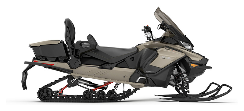 2022 Ski-Doo Grand Touring Limited 900 ACE ES Silent Ice Track II 1.25 w/ LCD Color Display in Augusta, Maine - Photo 2