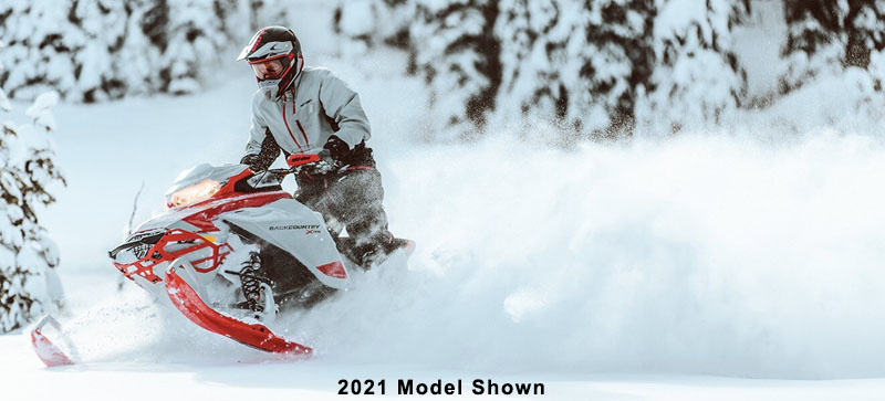 2022 Ski-Doo Backcountry 600R E-TEC ES Cobra 1.6 in Saint Johnsbury, Vermont - Photo 5
