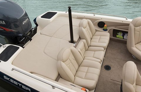 2015 Skeeter SL 210 in Boerne, Texas