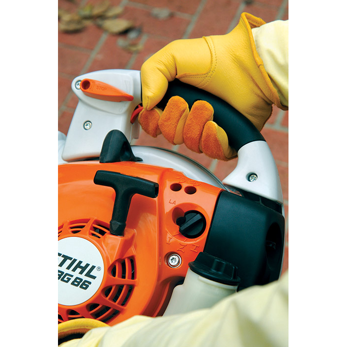 Stihl BG 86 in Calmar, Iowa - Photo 5
