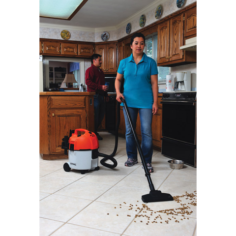 2017 Stihl SE 61 Wet / Dry Homeowner Vacuum in Bingen, Washington