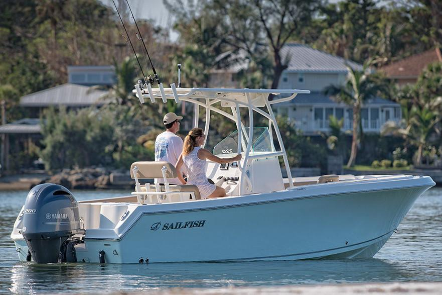 2019 Sailfish 220 CC in Holiday, Florida - Photo 4