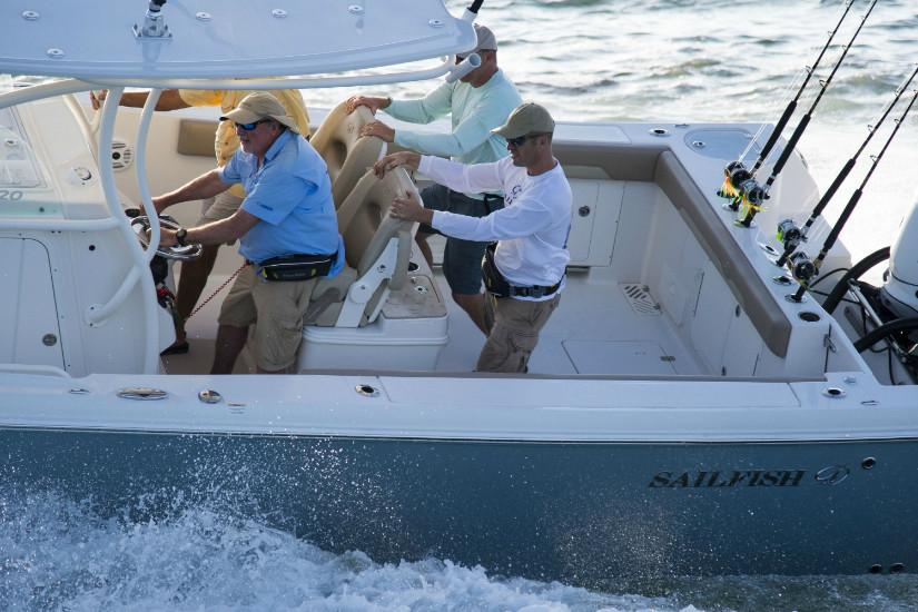 2019 Sailfish 320 CC in Holiday, Florida - Photo 7