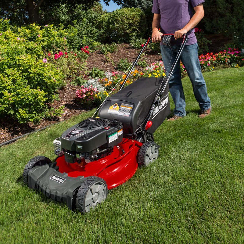 2017 Snapper SP Series Self Propelled Lawn Mowers (SP100) in Calmar, Iowa
