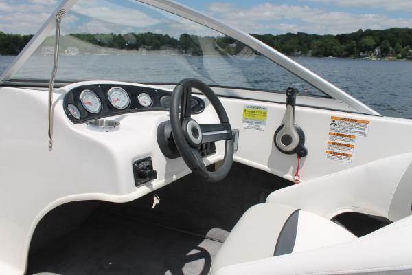 2019 Starcraft Limited Runabout 172 OB Sport in Littleton, New Hampshire - Photo 6