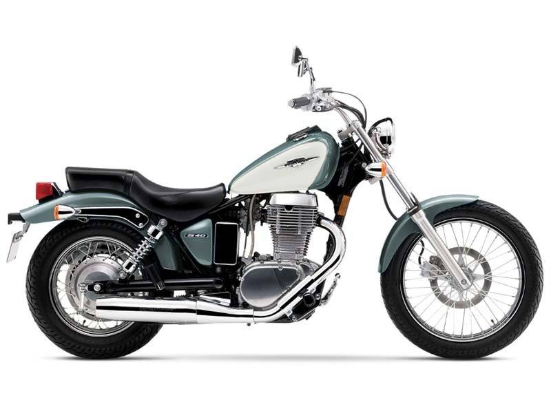 2014 Suzuki Boulevard S40 in Fond Du Lac, Wisconsin - Photo 1