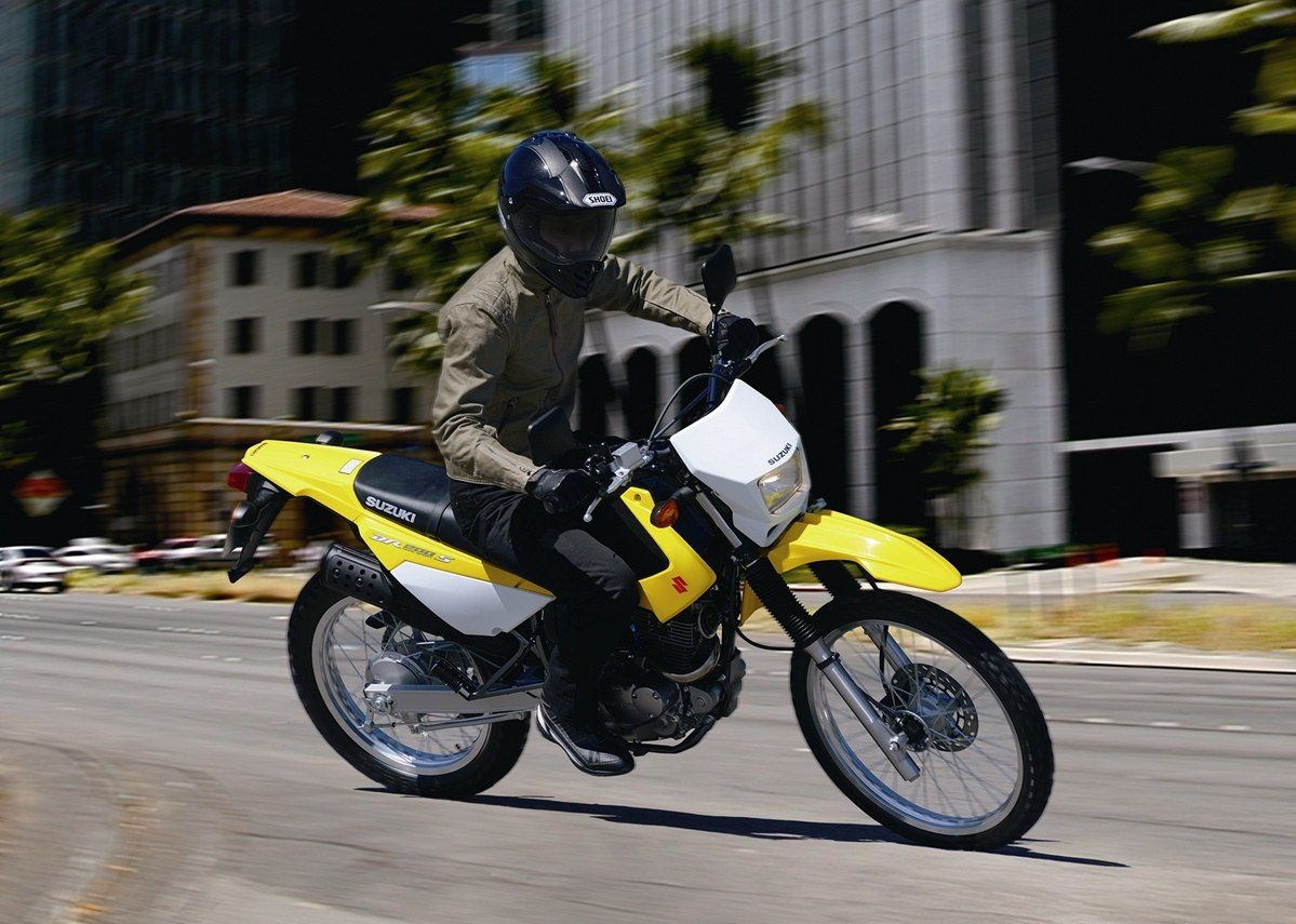 2016 Suzuki DR200S in Van Nuys, California