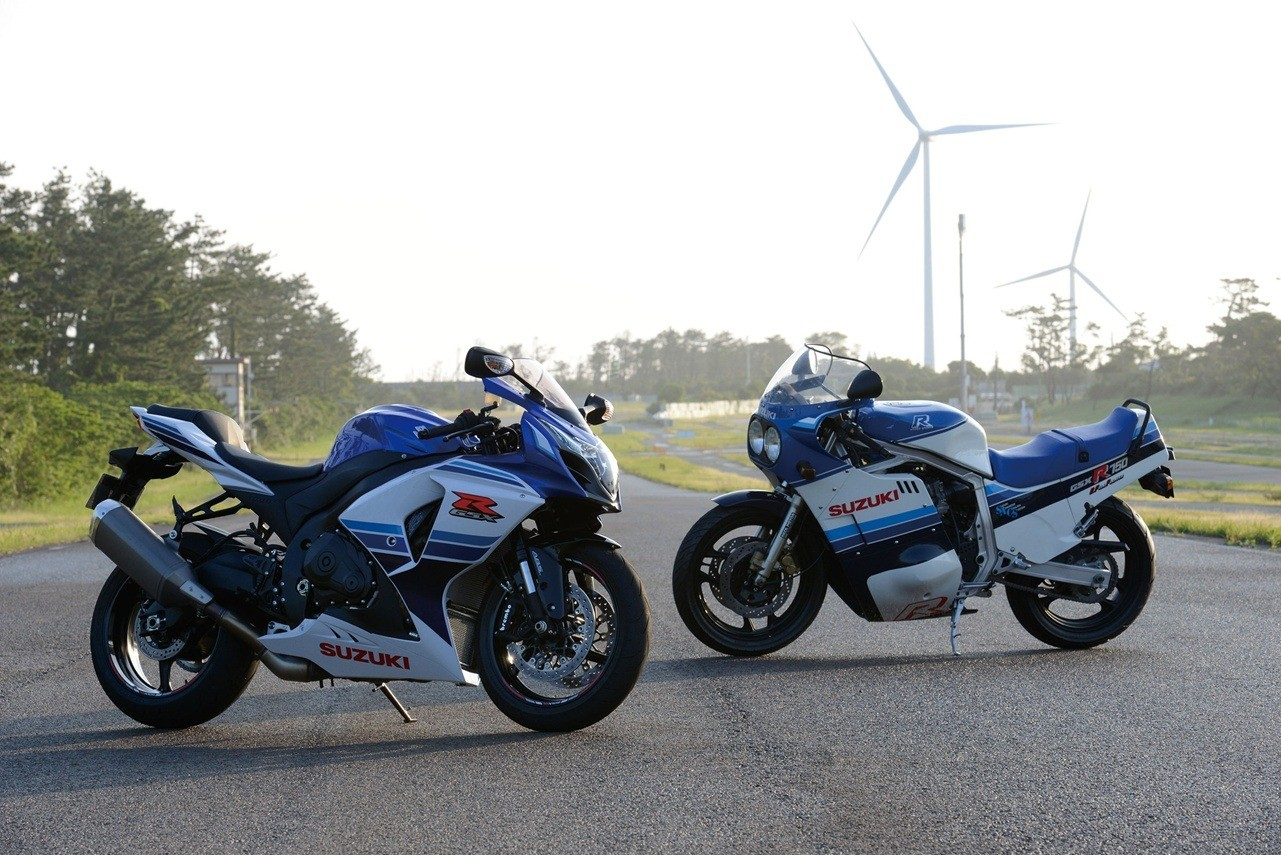 2016 Suzuki GSX-R1000 Commemorative Edition in Carol Stream, Illinois