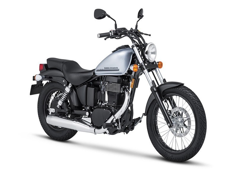 2018 Suzuki Boulevard S40 in Mineola, New York