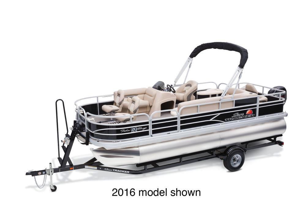 2017 Sun Tracker Fishin' Barge 20 DLX in Gaylord, Michigan
