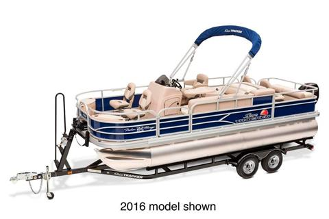 2017 Sun Tracker Fishin' Barge 22 DLX in Gaylord, Michigan