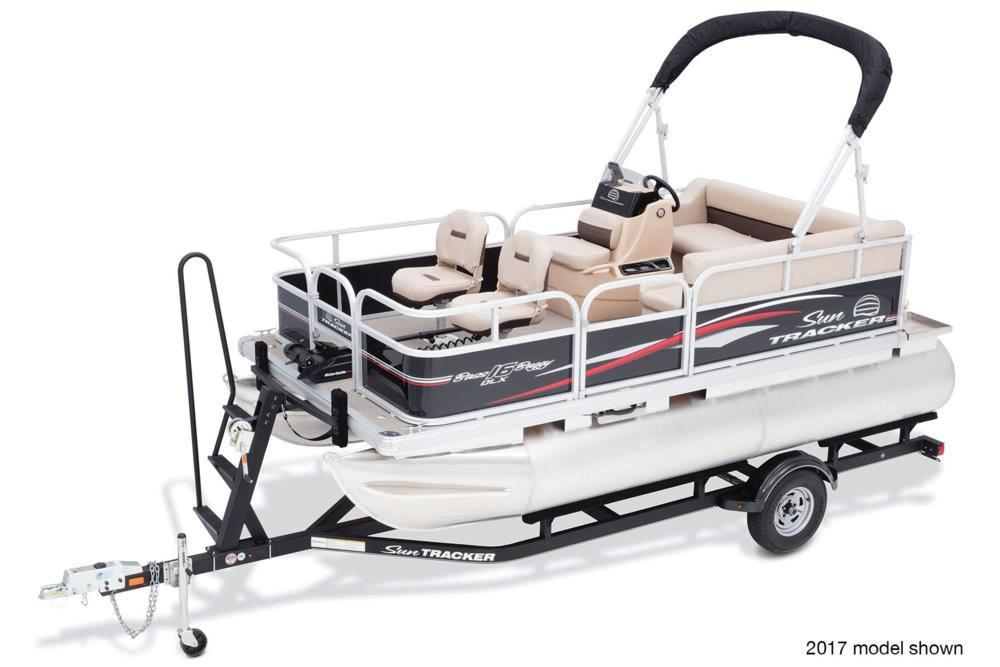 2018 Sun Tracker Bass Buggy 16 DLX ET in Holiday, Florida