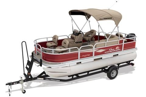 2018 Sun Tracker Bass Buggy 18 DLX in Holiday, Florida