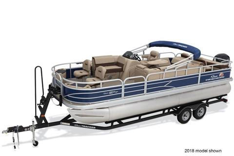 2019 Sun Tracker Fishin' Barge 22 DLX in Appleton, Wisconsin