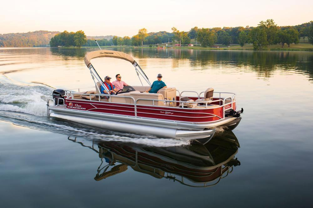 2019 Sun Tracker Fishin' Barge 24 DLX in Gaylord, Michigan - Photo 4
