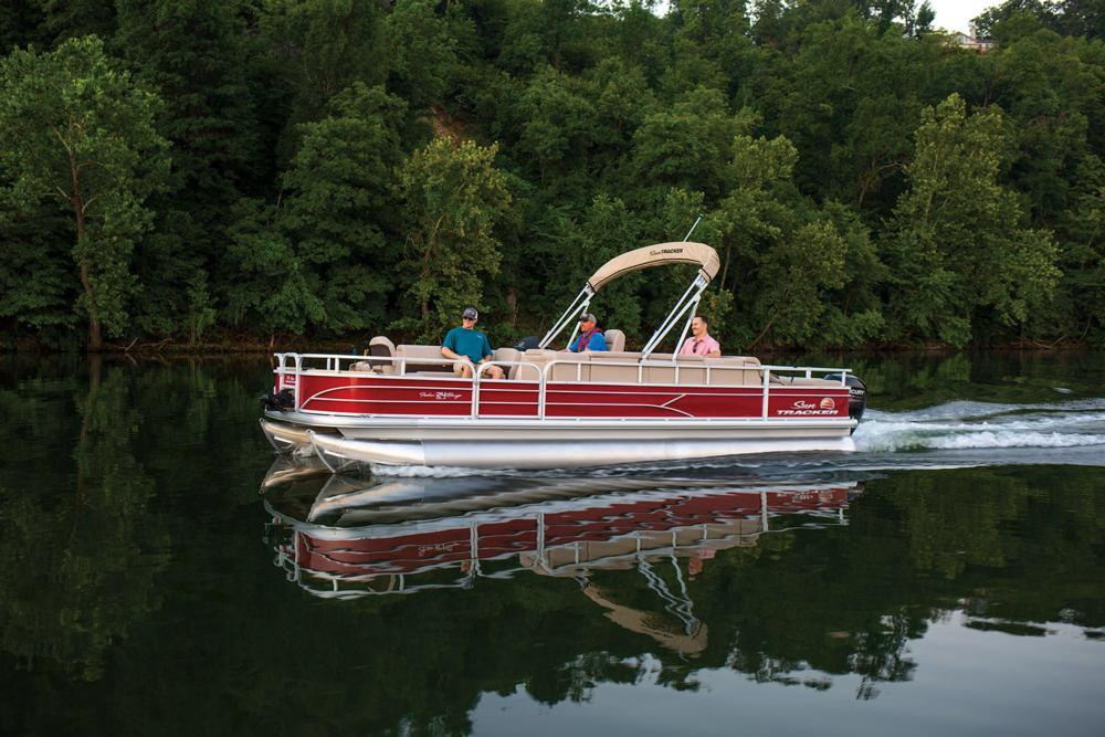 2019 Sun Tracker Fishin' Barge 24 DLX in Gaylord, Michigan - Photo 5