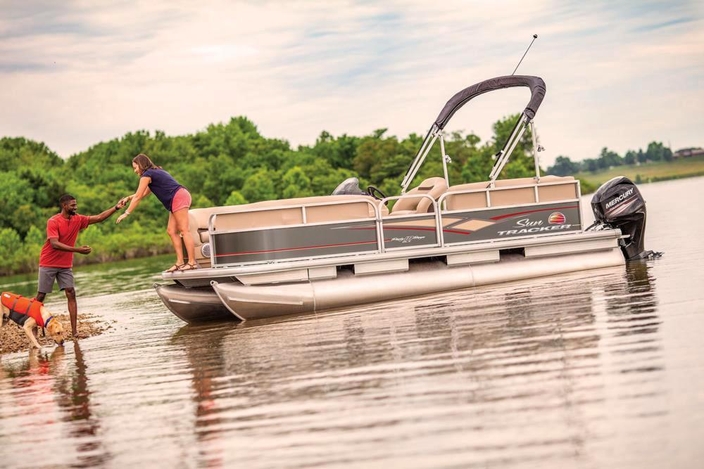 2019 Sun Tracker Party Barge 18 DLX in Gaylord, Michigan - Photo 4