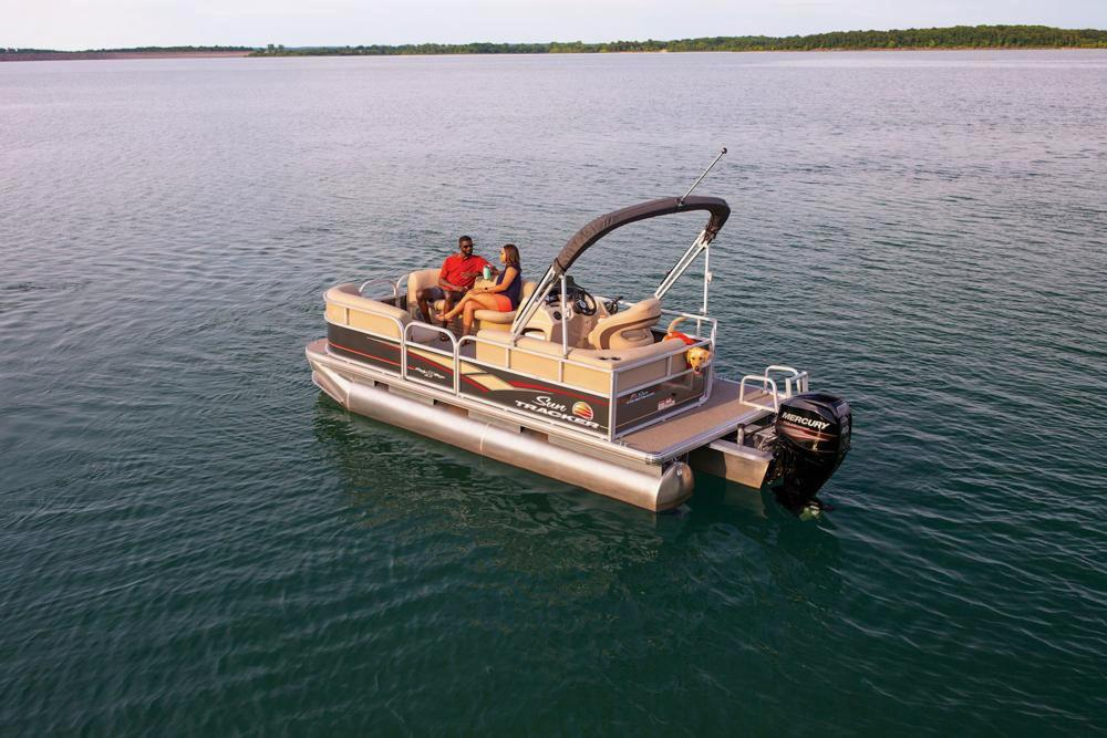 2019 Sun Tracker Party Barge 18 DLX in Gaylord, Michigan - Photo 9