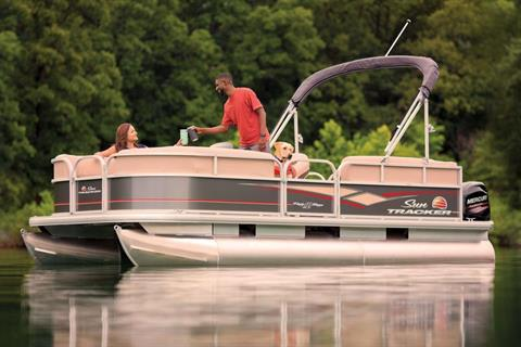 2019 Sun Tracker Party Barge 18 DLX in Gaylord, Michigan - Photo 10