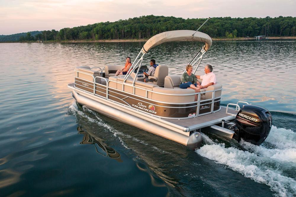 2019 Sun Tracker Party Barge 22 DLX in Appleton, Wisconsin
