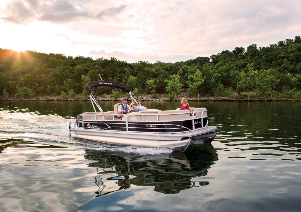 2019 Sun Tracker Party Barge 22 RF DLX in Appleton, Wisconsin