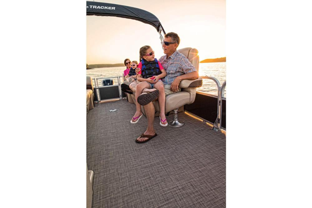 2019 Sun Tracker Party Barge 24 DLX in Waco, Texas - Photo 4