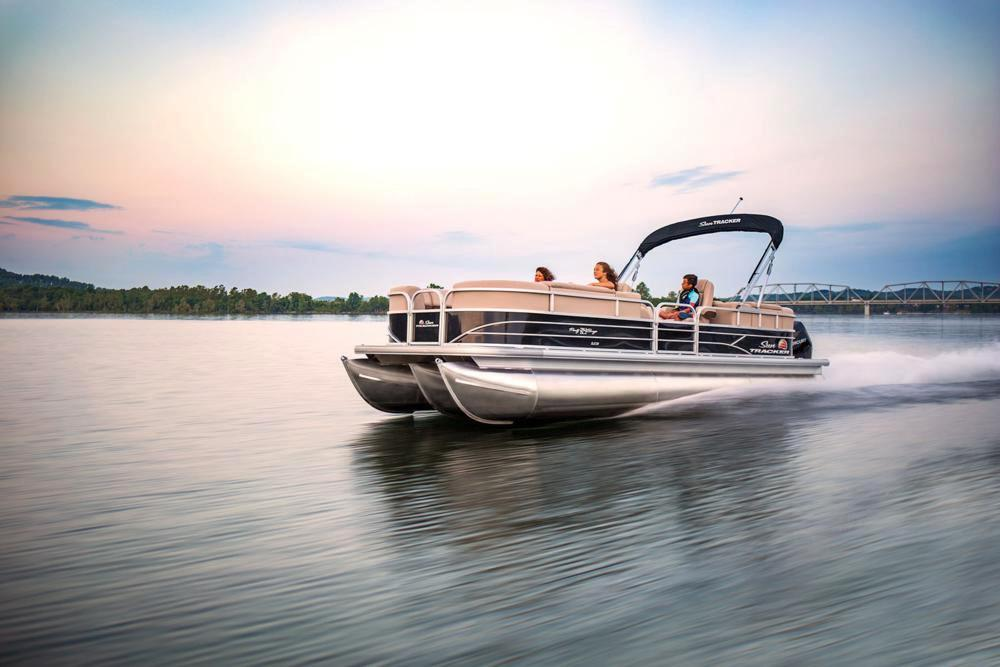 2019 Sun Tracker Party Barge 24 XP3 in Appleton, Wisconsin