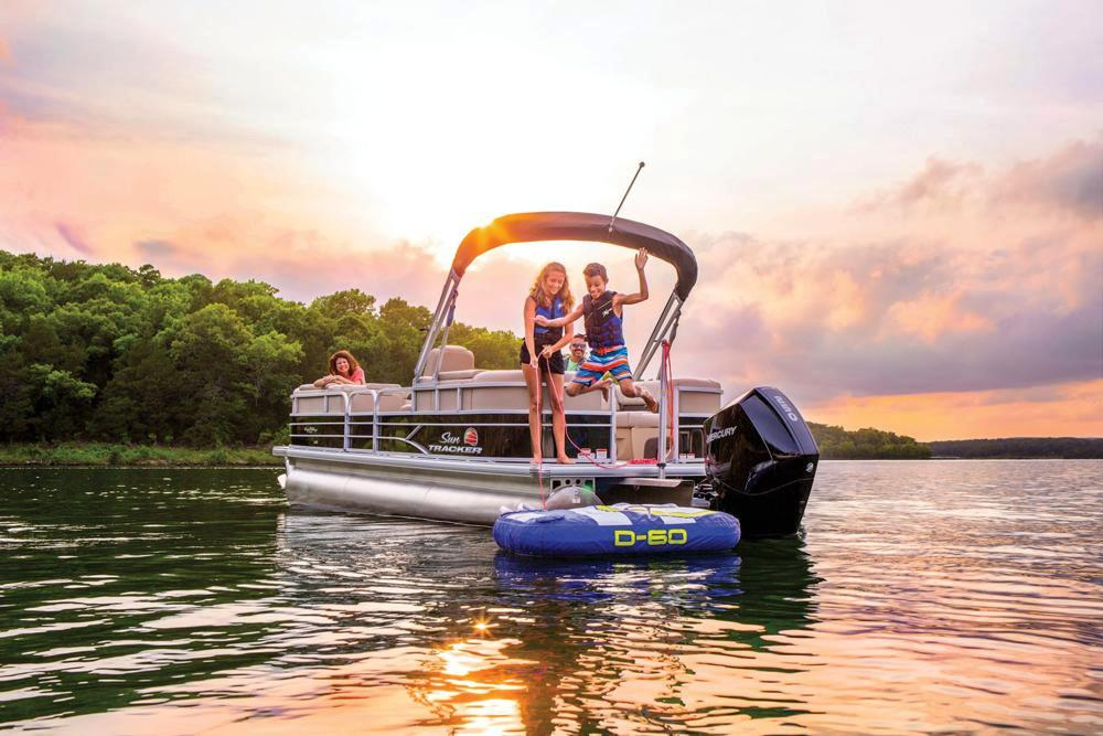 2019 Sun Tracker Party Barge 24 XP3 in Waco, Texas