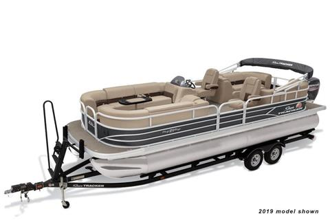 2020 Sun Tracker Party Barge 24 DLX in Appleton, Wisconsin