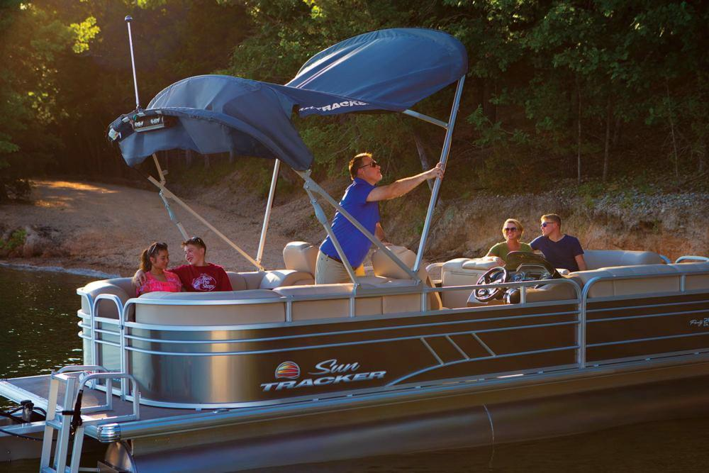 2020 Sun Tracker Party Barge 24 DLX in Gaylord, Michigan - Photo 8
