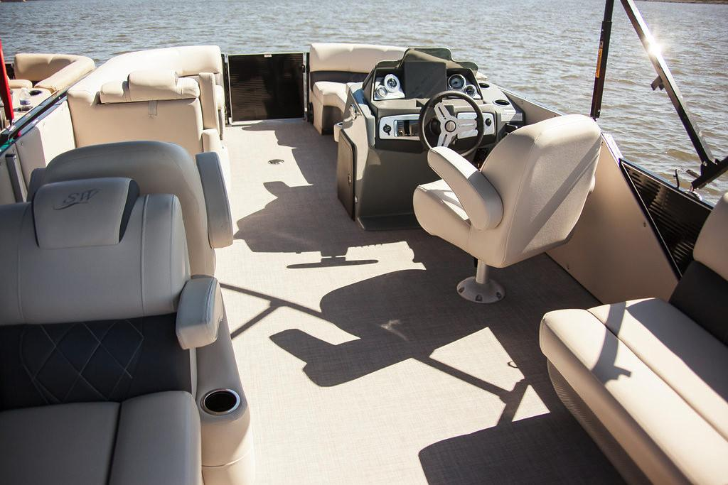 2019 Silver Wave 230 Grand Costa CLS in Pensacola, Florida - Photo 15