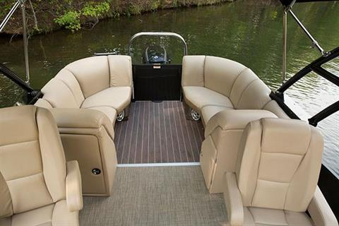 2018 Sweetwater Premium Edition 235 SB in Coloma, Michigan