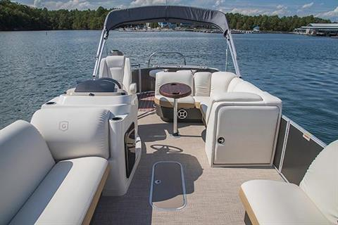 2018 Sweetwater Premium Edition 235 WB in Bridgeport, New York