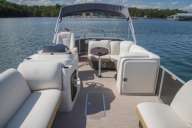 2018 Sweetwater Premium Edition 235 WB in Hancock, Michigan